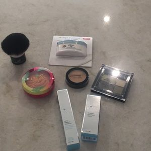 NWT 💗 bundle of makeup goodies💗